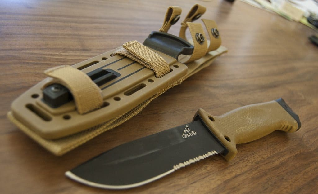 Best Survival Knife - Knife Up