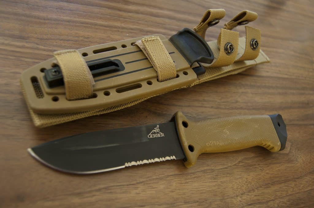 Best Survival Knife - Knife Up