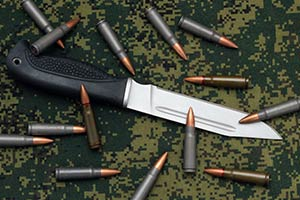 The 3 Top Best Fighting Knives for Soldiers and Marines - Knife Up