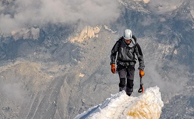 benefits of mountain climbing