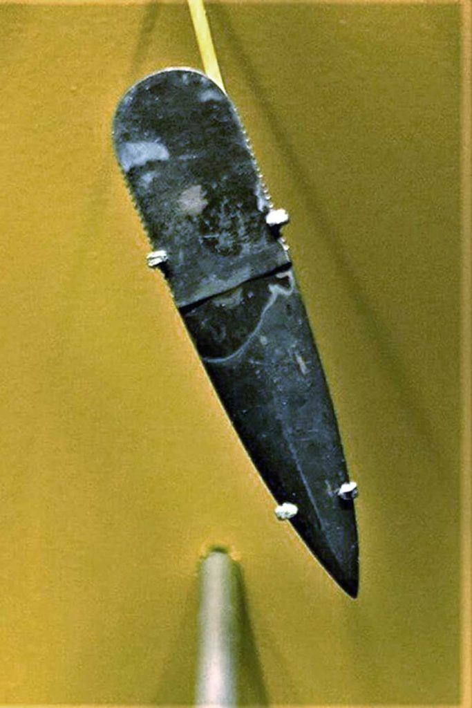 lapel knife