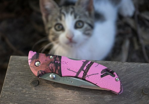 knife with kitty cat