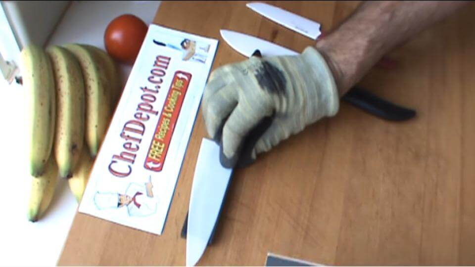 How to Sharpen Ceramic Knives   Easy Step-By-Step Guide